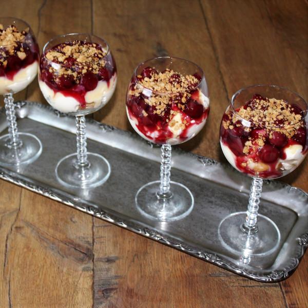 Thermomix-Rezept-Windbeutel-k-sst-Kirsch-Dessert